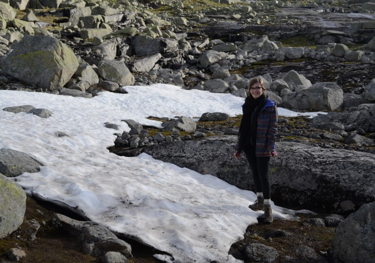 snow hike trolltunga
